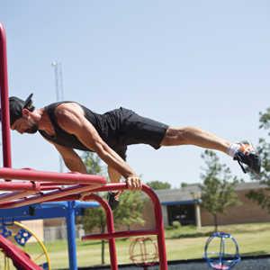 build bigger shoulders man doing workout outdoors