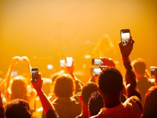 millenial-social-media