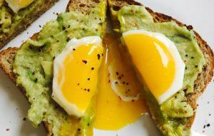 egg_yolk_avo_toast_0