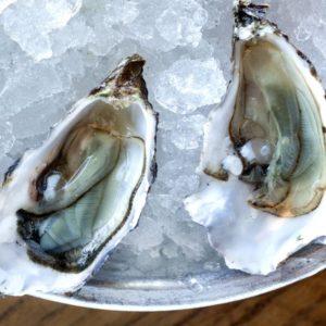 getty-152624472-lara_hata-oysters