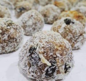 homemade-snacks-eat-before-workout-oatmeal-energy-bar