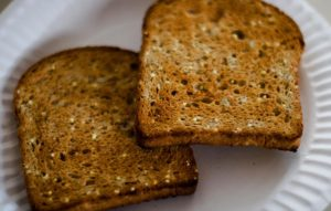 things-never-eat-drink-before-workout-whole-grain-toast