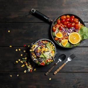 eating salad on this smaller plate can help you lose 5 kilos