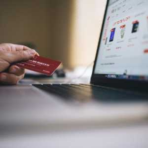 Shopping online with your credit card